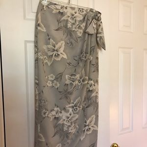 Dresses & Skirts - Floral wrap skirt